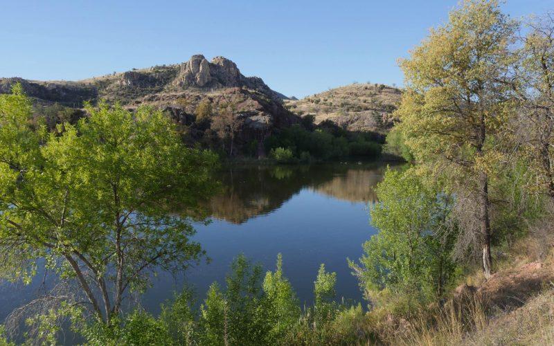 Pena Blanca Lake © Lang Elliott