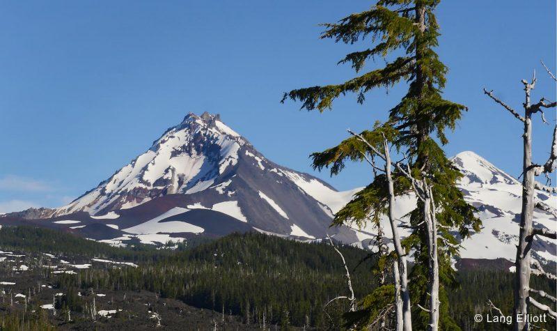 Three Sisters Mountains © Lang Elliott
